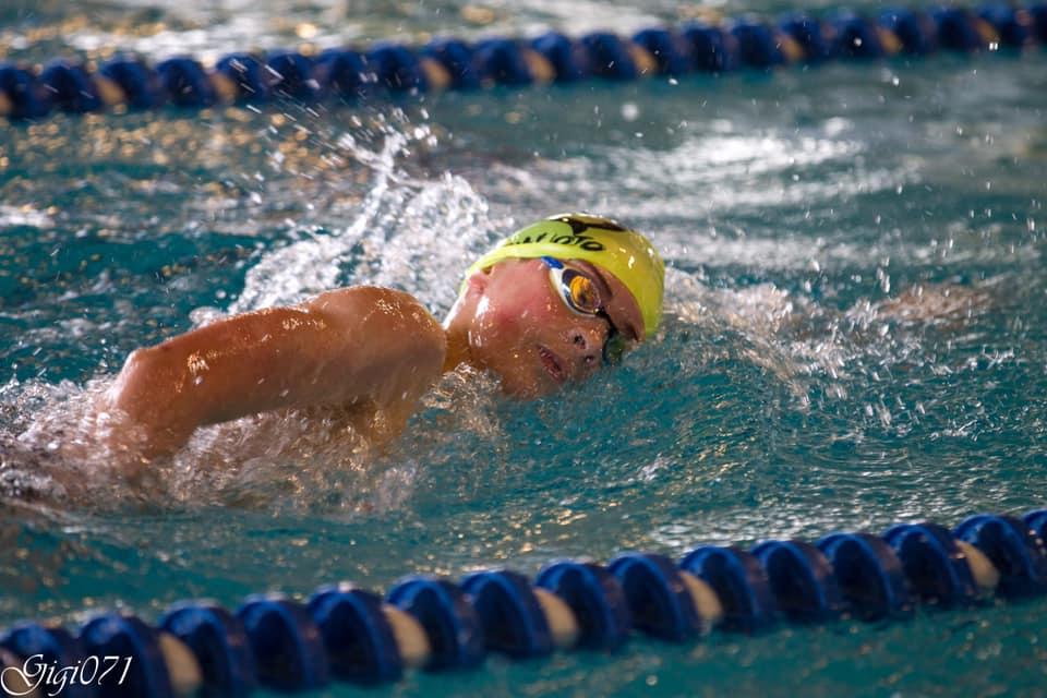 """3 marzo 2019 – Nella finale regionale di categoria Filippo Raule nuota i 1.500 in 18′.00"""".03 migliorando il suo record personale di oltre 20″ e si classifica in settima posizione."""