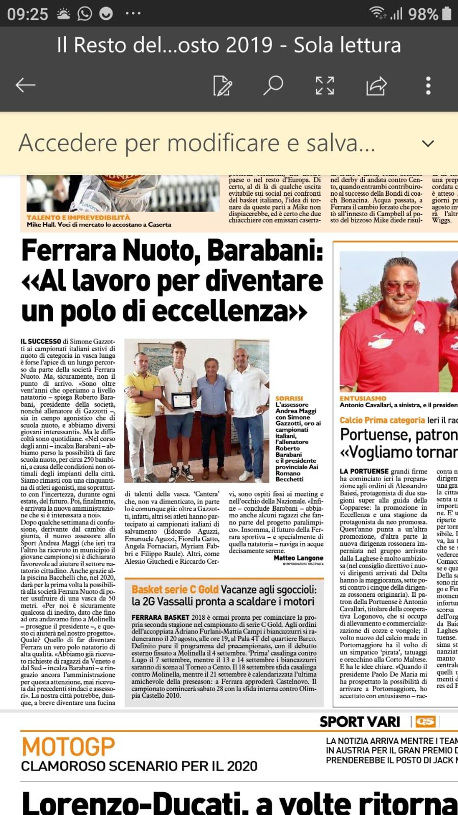 Simone Gazzotti e coach Barabani ricevuti dall'assessore Maggi: Ferrara Nuoto eccellenza in città